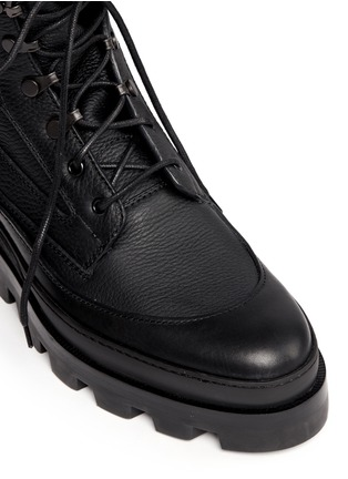 Detail View - Click To Enlarge - Balenciaga - Platform leather desert boots