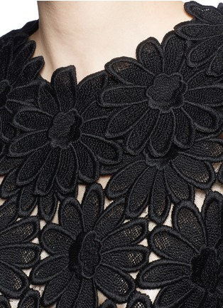 Detail View - Click To Enlarge - - - Daisy macramé lace top