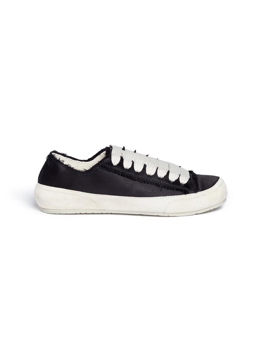 Parson satin sneakers by Pedro García