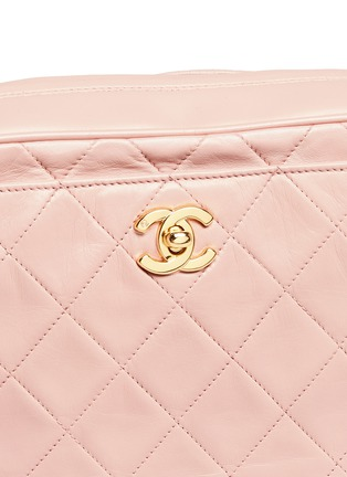 Detail View - Click To Enlarge - Vintage Chanel - Quilted leather camera bag