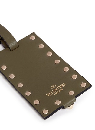Detail View - Click To Enlarge - VALENTINO - 'Rockstud' leather luggage tag