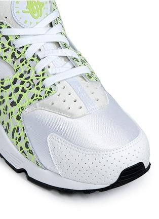 Detail View - Click To Enlarge - Nike - 'Air Huarache Premium' sneakers