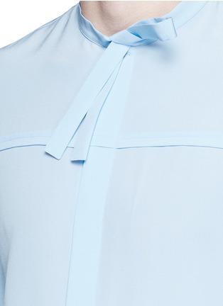 Detail View - Click To Enlarge - Gucci - Neck sash silk crepe shirt