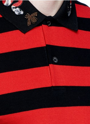 Detail View - Click To Enlarge - Gucci - Snake and bee embroidery stripe polo shirt