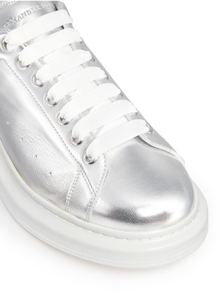 Detail View - Click To Enlarge - Alexander McQueen - 'Larry' metallic leather sneakers