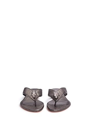 Front View - Click To Enlarge - ALEXANDER MCQUEEN - Crystal crown skull metallic leather flip flops