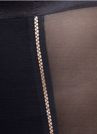 Detail View - Click To Enlarge - Spanx By Sara Blakely - 'Haute Contour Nouveau Girl' shorts