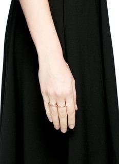 Spinelli Kilcollin 'Sonny Pink' sapphire 18k rose gold three link ring