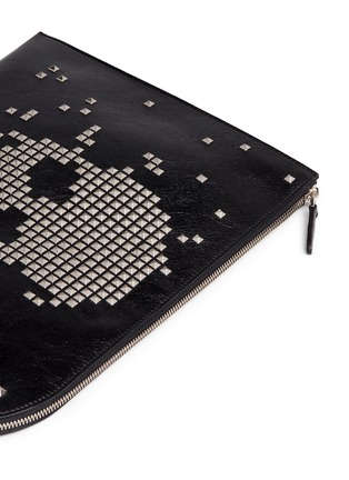 Detail View - Click To Enlarge - Alexander McQueen - Pixel skull stud zip pouch