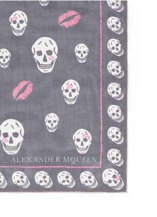 Detail View - Click To Enlarge - Alexander McQueen - 'Skull Kisses' logo lip print silk chiffon scarf