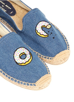 Detail View - Click To Enlarge - Soludos - x Jason Palon 'Donut' embroidery denim espadrilles