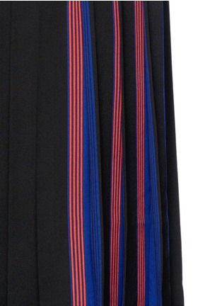Detail View - Click To Enlarge - Marc Jacobs - Stripe pleat silk V-neck shift dress