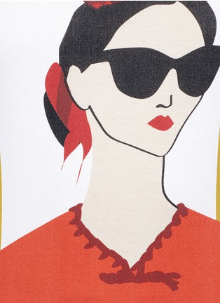 Detail View - Click To Enlarge - alice + olivia - 'Stacey Frida' print T-shirt