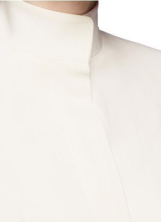 Detail View - Click To Enlarge - Alexander McQueen - Cape crepe coat