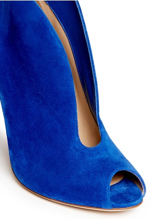 Detail View - Click To Enlarge - Gianvito Rossi - V-throat suede peep toe booties