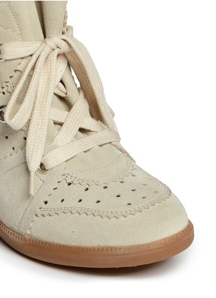 Detail View - Click To Enlarge - Isabel Marant Étoile - 'Bobby' perforated suede concealed wedge sneakers