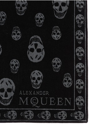 Detail View - Click To Enlarge - Alexander McQueen - Allover skull beach towel