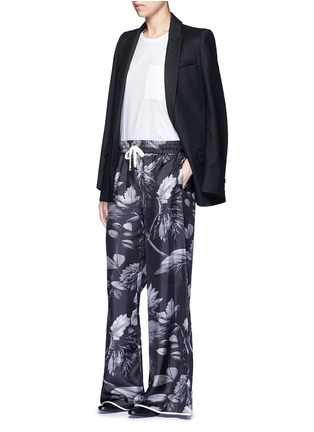 Figure View - Click To Enlarge - F.R.S For Restless Sleepers - 'Callisto' greyscale leaf print silk pyjama pants