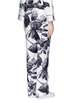 Back View - Click To Enlarge - F.R.S FOR RESTLESS SLEEPERS - 'Crono' greyscale leaf print silk pyjama pants