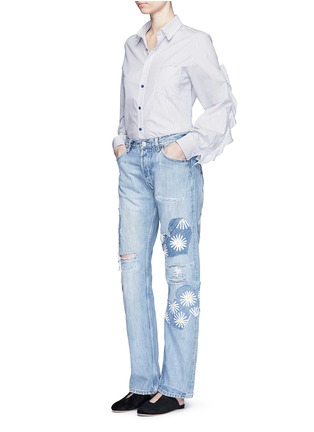 Figure View - Click To Enlarge - RIALTO JEAN PROJECT - One of a kind patchwork hand-painted daisy vintage boyfriend jeans