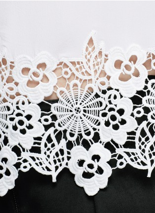 Detail View - Click To Enlarge - Equipment - 'Riley' floral lace hem silk T-shirt