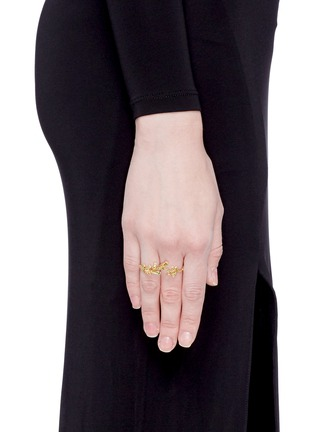 Figure View - Click To Enlarge - Heting - 'Pinecone' tsavorite 18k gold two finger ring