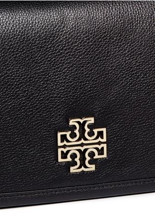 Detail View - Click To Enlarge - TORY BURCH - 'Britten' cutout logo pebbled leather shoulder bag