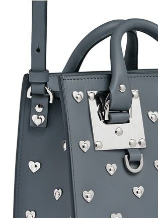 Detail View - Click To Enlarge - SOPHIE HULME - 'Albion' heart stud soft leather box tote