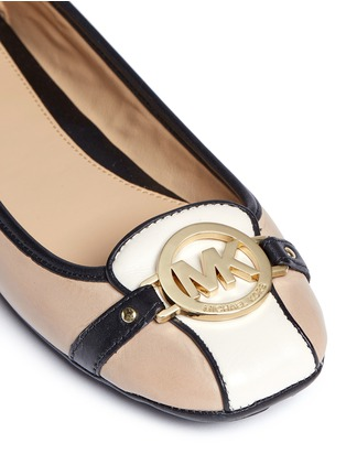 Detail View - Click To Enlarge - Michael Kors - 'Fulton' logo plaque colourblock leather flats