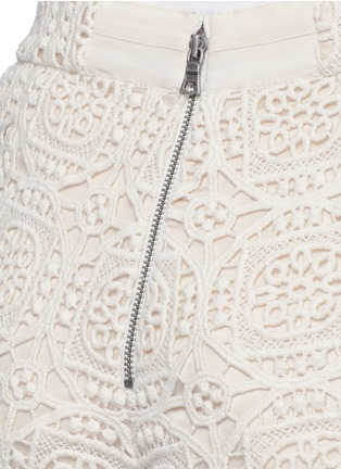 Detail View - Click To Enlarge - alice + olivia - 'Susi' geometric Crochet lace shorts