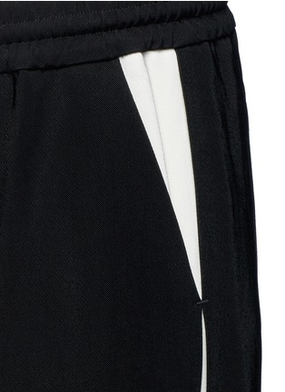 Detail View - Click To Enlarge - LANVIN - Contrast pocket stripe elastic twill pants