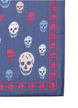 Detail View - Click To Enlarge - Alexander McQueen - Classic skull print silk scarf