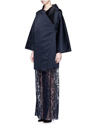 Front View - Click To Enlarge - MS MIN - Reversible silk satin blanket coat