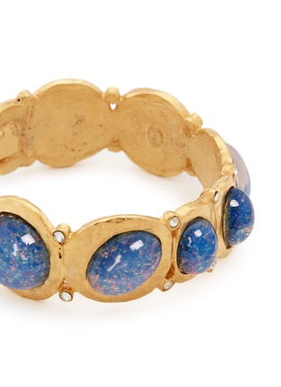 Detail View - Click To Enlarge - Kenneth Jay Lane - Opalescent glass cabochon hinge bangle