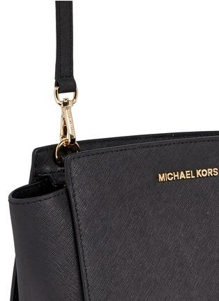 Detail View - Click To Enlarge - MICHAEL KORS - Selma' medium saffiano leather messenger bag