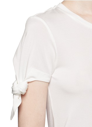 Detail View - Click To Enlarge - Mo&Co. - Knotted sleeve piqué T-shirt