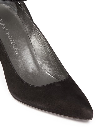 Detail View - Click To Enlarge - Stuart Weitzman - 'Take A Bow' contrast strap suede pumps