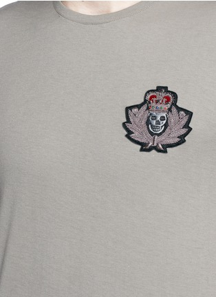 Detail View - Click To Enlarge - Alexander McQueen - Military skull patch embroidery T-shirt