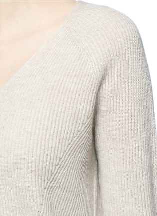 Detail View - Click To Enlarge - VINCE - V-neck wool-cashmere ribbed sweater