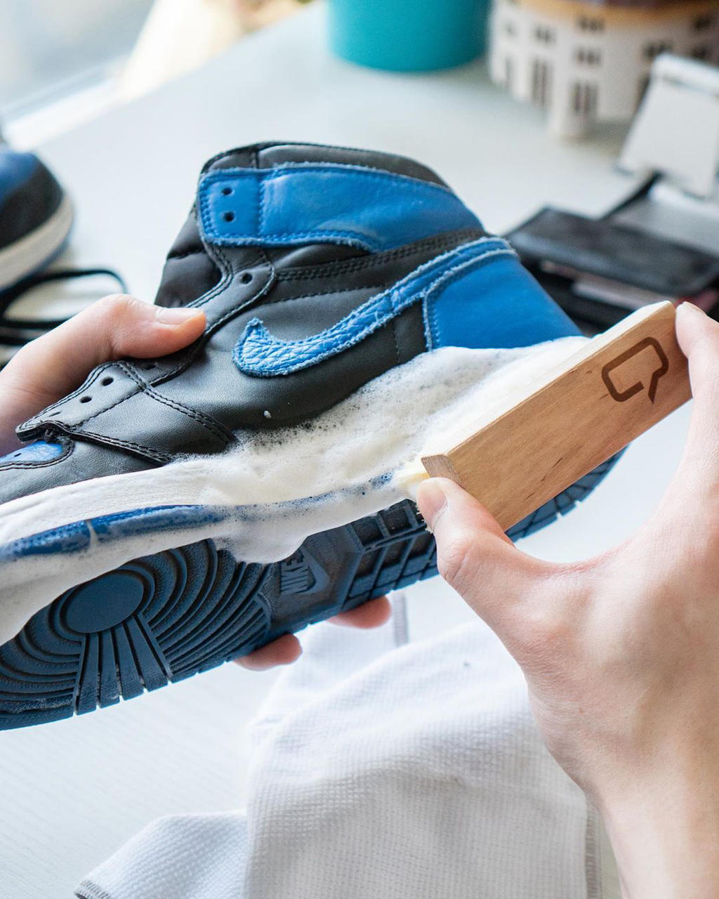 HOW TO KEEP YOUR SNEAKERS BOX-FRESH