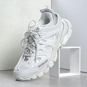 JUST IN: BALENCIAGA